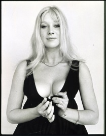 helen_mirren_young_cleavage_vLLSSuo.sized_